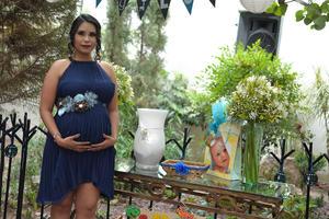 20052017 Mirian Nancy se encuentra muy contenta por el cercano nacimiento de su bebé.