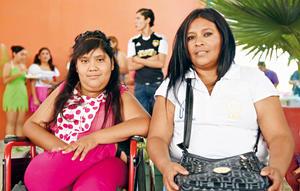 21052017 EN FESTEJO.  Rosario y Martha.