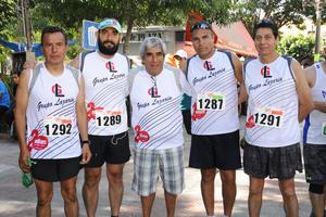 22052017 CORREDORES.  José Luis, Abraham, Luis Guillermo, Felipe y Héctor.