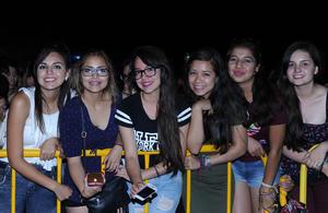 21052017 asisten a concierto. Abigaíl, Karen, Diana Laura, Irayda y Norma.