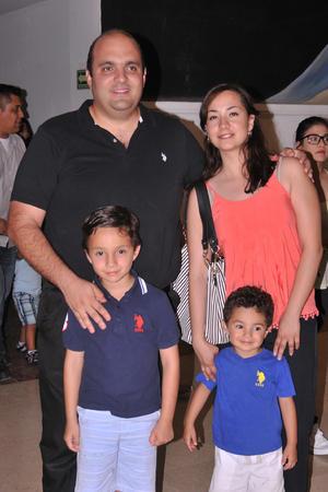 21052017 EN FAMILIA.  Fran, Irma, Carlo y Nico.