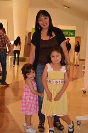 21052017 Anahí, Nancy y Yohana.