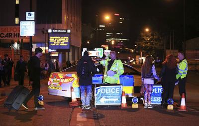 """La policía de Manchester reportó esta medianoche (hora de Londres) un """"incidente grave"""" durante un concierto de la cantante estadounidense Ariana Grande."""