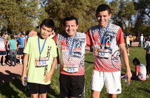 23052017 PARTICIPAN EN CARRERA.  Ale, Gerardo y Gerardo Jr.