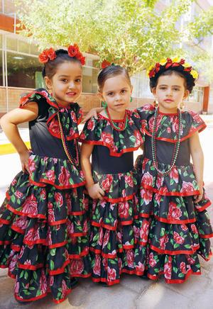 23052017 MUY LINDAS.  Ma. José, Alexa y Lorena.