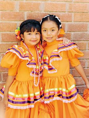 23052017 EVENTO ESCOLAR.  Layla y Hannia.