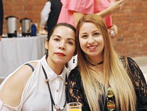 24052017 EN RECIENTE EVENTO.  Alejandra y Perla.