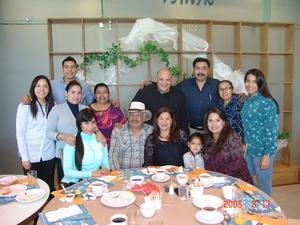 24052017 En el cumpleaños de Irma Vázquez.