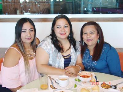 25052017 Gloria, Ana y Violeta.