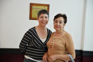 25052017 EN RECIENTE EVENTO.  Rosa y Gabriela.