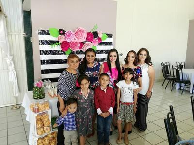 25052017 María Estela, Karen, Andrea, Estela, Diana, Santiago, Camila, Paquito y Ximena.