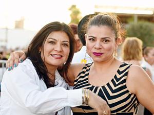 25052017 AMIGAS.  Olga y Marcela.