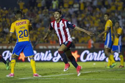 Un gol de Pulido permitió a Chivas arrancar con las anotaciones presentadas en San Nicolás.