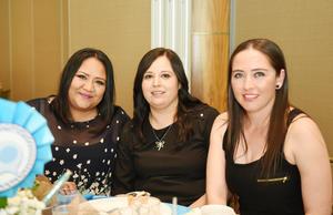 26052017 RECIENTE EVENTO.  Tulia, Adriana y Marcela.