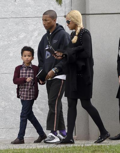Pharrell Williams, Helen Lasichanh y Rocket Ayer Williams.