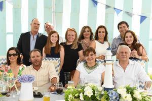 Laura, Mario, Marissa, Camilo, Anabel, Héctor, Sabina, Mario, Diana, Isabel, Eduardo y Paola