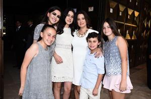 Adriana, Ana, Regina, Diego, Kory y Eugenia