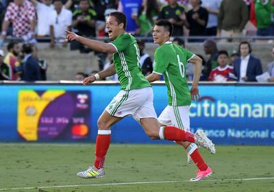 A pesar de la derrota, el encuentro le sirvió a México para que el Chicharito alcanzara la marca de mejor goleador de la selección, con 47 tantos.
