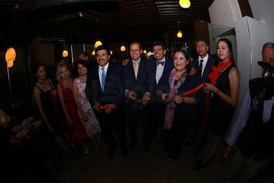 Autoridades estatales, municipales e invitados especiales estuvieron presentes durante la apertura del hotel.