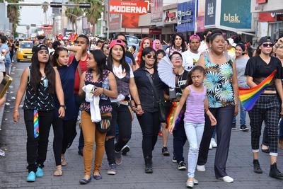 Cientos de personas participaron en la marcha.