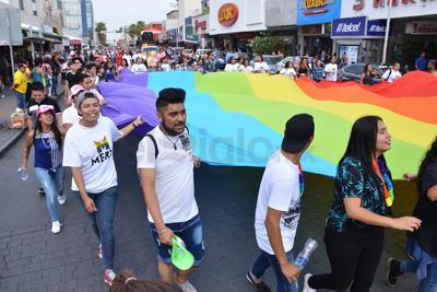 El contingente tomó la avenida Hidlago hacia el poniente hasta la calle Múzquiz para posteriormente retornar al lugar de partida por la avenida Juárez.