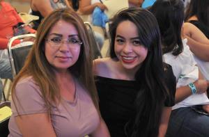 29052017 Claudia y Claudia Reyes.