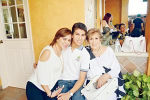 28052017 DíA DE LAS MADRES.  En familia.