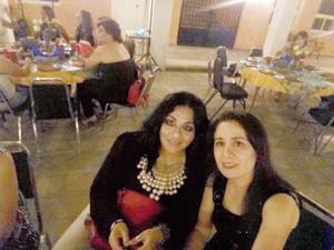 28052017 AMENA VELADA.  Entre amigas.