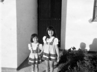 28052017 Blanca Patricia Iturriría y María del Carmen Iturriría, en 1984.