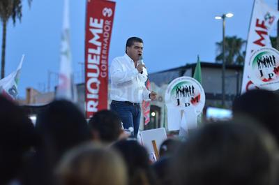 """""""Porque hicimos una gran campaña, todos los candidatos y candidatas del PRI""""."""