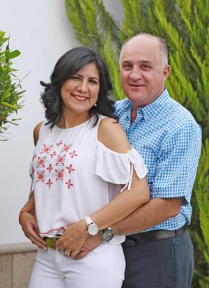 31052017 EN PAREJA.  Alejandra Luna y Cuauhtémoc Estrella.