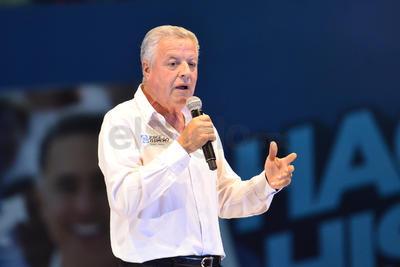 """El evento estuvo enmarcado por la presencia de Jorge Zermeño, candidato a la alcaldía de Torreón, quien afirmó que la gente """"exige un cambio en Coahuila""""."""