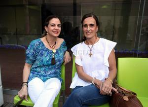 Elizabeth Saezn y Macrela Mijares.