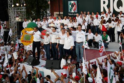El candidato estuvo acompañado por los candidatos del PRI que van por la alcaldía en este proceso de los municipios de la región sureste, entre los que destacó Manolo Jiménez, por ser de Saltillo.