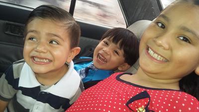 01062017 Los primitos: Axel, Diego y Mariangel.