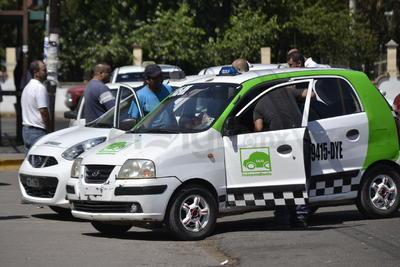 En el último bimestre se han retirado más de 200 vehículos que hacen o representan una desleal competencia a los establecidos.