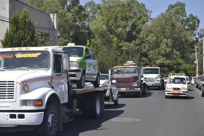 Autoridades exhortan a la ciudadanía a evitar hacer uso de estos vehículos, pues a simple vista son unidades pirata.