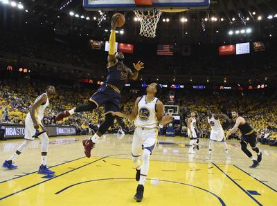 Al menos en el comienzo de la tercera final consecutiva entre Warriors y Cavs, Durant cumplió cabalmente la misión que se le encomendó en julio pasado, cuando dejó las filas de Oklahoma City y llegó al plantel multiestelar de Golden State.