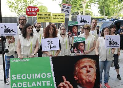 En españa también manifestaron su inconformismo ante la salida de EU del Acuerdo de Paris.