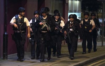 En Vauxhall, el incidente no está siendo tratado como terrorismo y la Policía ha informado de que se trató de un acto con arma blanca.
