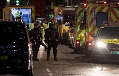 """La """"premier"""" presidirá el domingo una reunión del comité de emergencia Cobra, formado por los principales ministros y representantes de la Policía y los servicios secretos, en su residencia oficial de Downing Street, informó el Gobierno."""