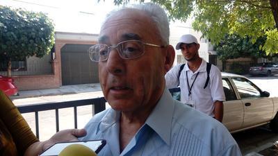 El obispo de Torreón también acudió a votar.