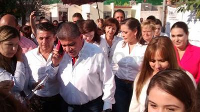 Miguel Riquelme también acudió a votar acompañado de su familia.