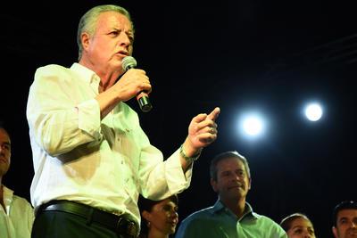 """Sobre el discurso que previamente había expuesto el candidato del PRI, Miguel Mery, donde se proclamaba triunfador, Zermeño comentó que """"la verdad nos hará libres"""", y explicó que, a la vista de todos, están los resultados de las actas de escrutinio y aseguró que """"arrasamos en Torreón""""."""