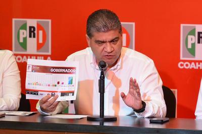 Aunque el Instituto Electoral de Coahuila había anunciado que el resultado del conteo rápido estaría a las 12:00 de la noche, se presentó hasta las 3:50 am.