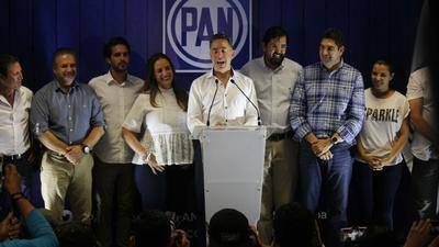 Por su parte, en una rueda de prensa ofrecida a las 8:30 de la noche, Guadiana reconoció que el voto no le favoreció y aseguró que, según sus encuestas de salida, el ganador de la contienda había sido Guillermo Anaya, de la coalición liderada por el PAN por una ventaja de 2 puntos porcentuales.