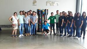04062017 DE VISITA EN EL MUSEO.  Alumnos del MEZE junto a Torreón, obra del maestro Alonso de Alba.