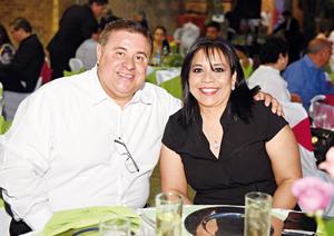 04062017 EN PAREJA.  Sergio y Maribel.