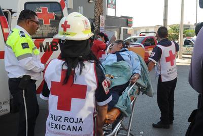 Una trabajadora de seguridad privada de la institución sufrió intoxicación y fue llevada de urgencia a la clínica 18 del IMSS.