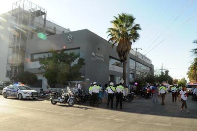 La clínica del ISSSTE cuenta con tres pisos para atención médica, cada uno con capacidad de 30 camas, no obstante el tercero se encuentra en remodelación por lo que sólo las dos primeras plantas fueron evacuadas.